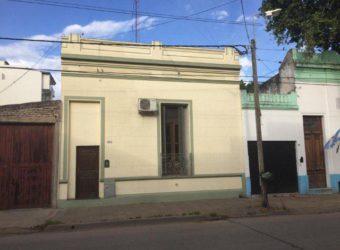 Casa calle Moreno 520 – ZARATE ( centro)