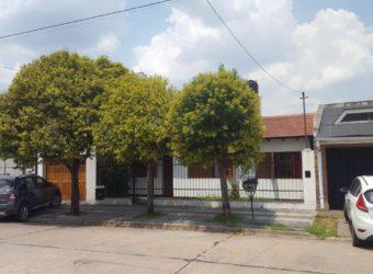Casa calle Chile 1380- ZARATE ( V. FOX)